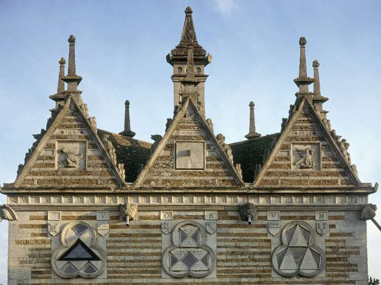Rushton Triangular Lodge Things to do