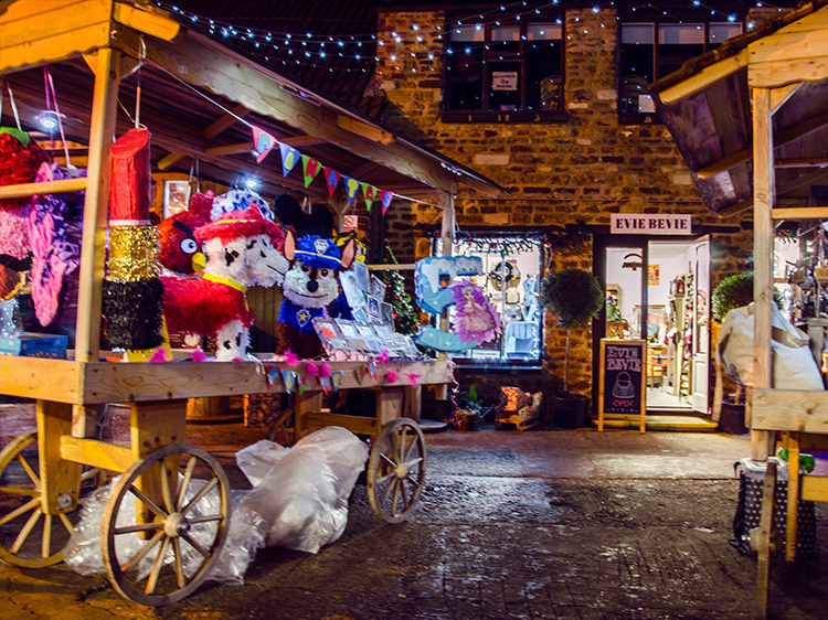 Christmas in Kettering Events #ChristmasinKettering Xmas Markets Yards