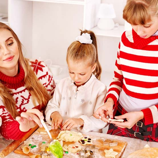 Free Christmas Crafts Table